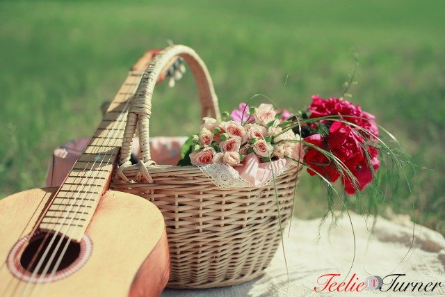 bigstock-Guitar-Basket-And-Bouquet-Of--74586409