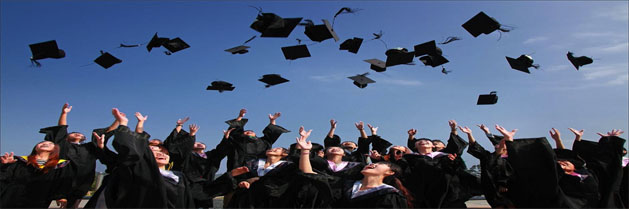 What to Wear to a Graduation as Parents