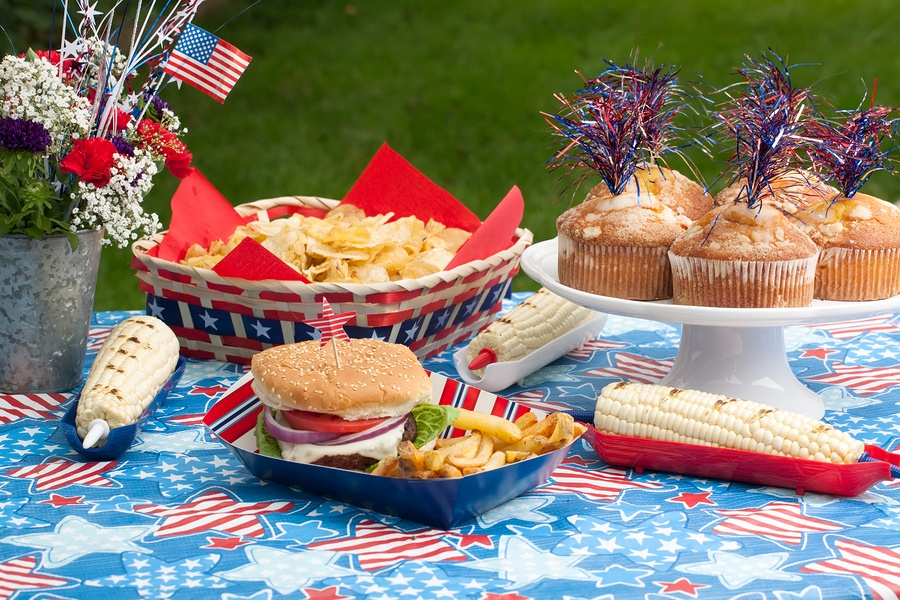 Recreate these Fourth of July-Inspired Table Set Ups to Show Your Patriotic Spirit