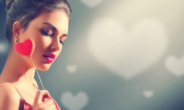Easy Makeup Tutorials for Your Special Valentine's Day Date