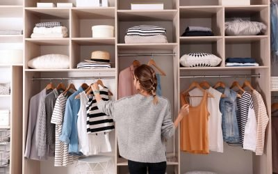 Creating a Minimalist Closet in 5 Easy Steps