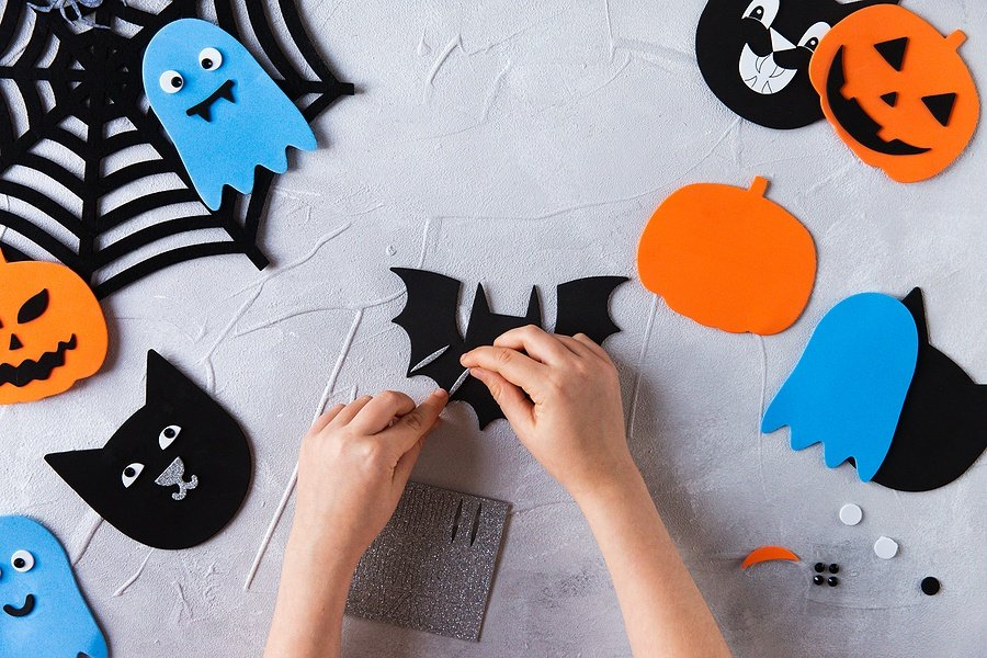 How to Create Your Own Halloween-Themed Busy Box